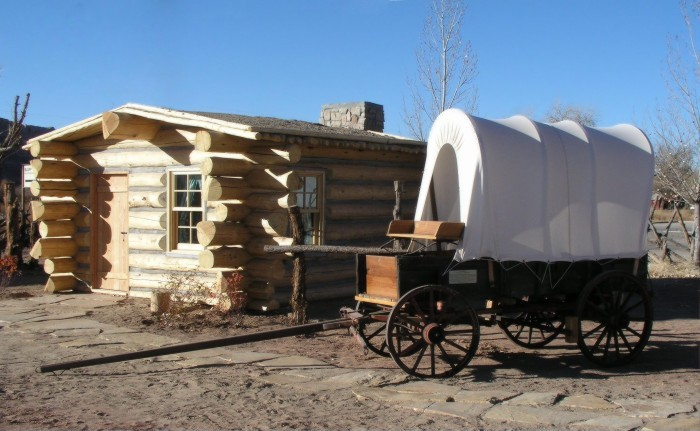 Cabin with wagon